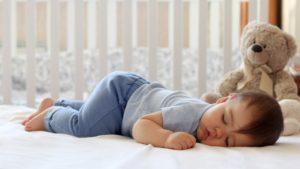 De ce bebelusul (0-12 luni) nu vrea sa doarma?