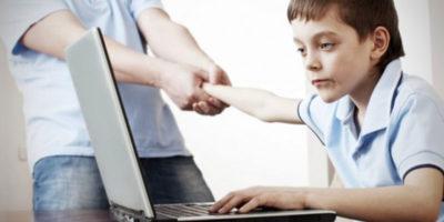 Adolescentul si dependenta de internet