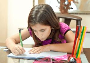 Copilul nu vrea sa faca temele de scoala? Stimuleaza-l!