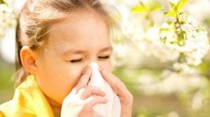 11 sfaturi eficiente pentru a ajuta copiii cu rinita alergica