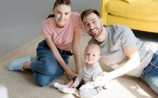 familie cu copil din eprubeta