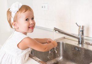Doua modalitati simple de a-ti determina copilul sa faca ceea ce iti doresti