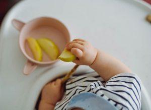 Ce nu trebuie sa manance bebelusii in primul an de viata