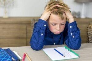 De ce e important sa lasi copilul sa-si faca singur temele pe acasa?