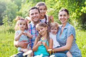 Read more about the article Ce sunt obisnuiti sa auda parintii cu multi copii?