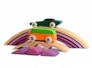 Read more about the article De ce sa alegi jucarii din lemn pentru copii: 5 motive