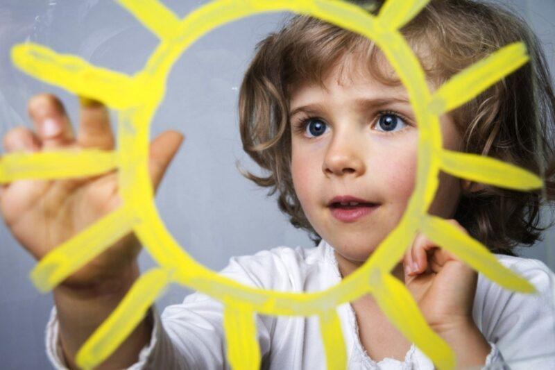 You are currently viewing 13 sfaturi pentru a intelege mai bine psihologia copiilor