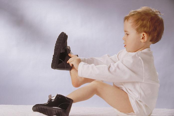 sa inveti copilul sa se imbrace