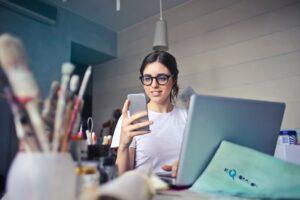 Read more about the article 6 motive pentru a incepe o cariera in IT – pentru femei