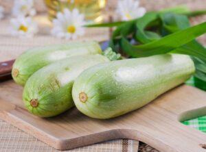 Read more about the article Ce se întâmplă dacă mănânci dovlecei în fiecare zi?