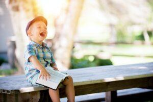 Read more about the article Educă, nu trauma! Memento pentru creșterea copiilor moderni